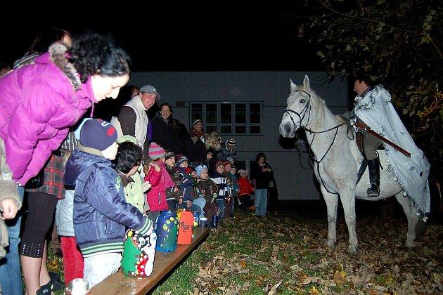 Mateřinka přivítala Martina na bílém koni.