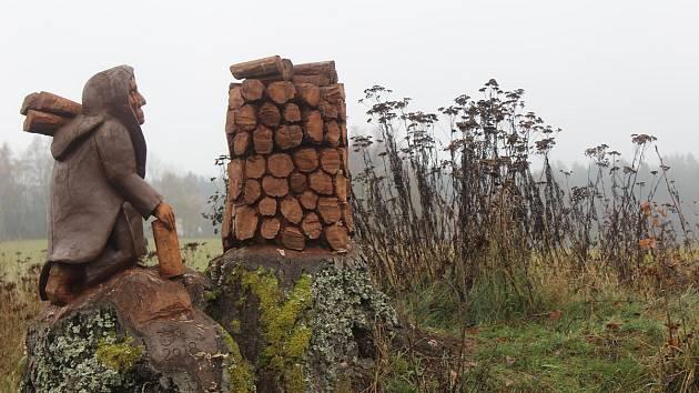 Rozhledna v Milířích u Rozvadova a její okolí.