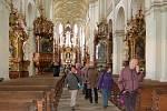 Víkendové komentované prohlídky v kladrubském klášteře se tentokráte nesly v duchu 340 výročí od narození od narození Santiniho Aichela. Návštěvníci si prohlédli květinové vazby, které připomínaly některé jeho stavby.