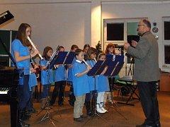 Ve Stříbře se ve středu konal vánoční koncart žáků tamní umělecké školy.