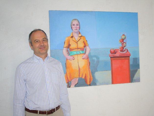 TILO ETTL v plánské galerii u jednoho ze svých obrazů.