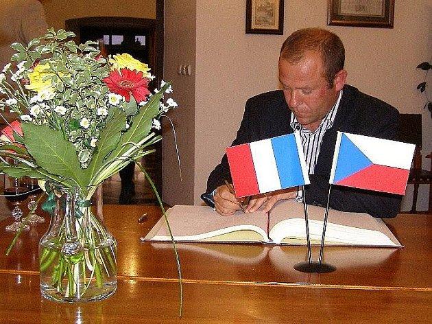 Do Stříbra se přijel podívat starosta francouzského města Moncoutant, aby si prohlédl možné budoucí partnerské město.