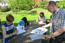 Konstantinovy Lázně - Desítky studentů z Čech, ale i ze zahraničí se sešli v Konstantinových Lázních, aby se dozvěděli různé zajímavosti o tradičnách řemeslech.