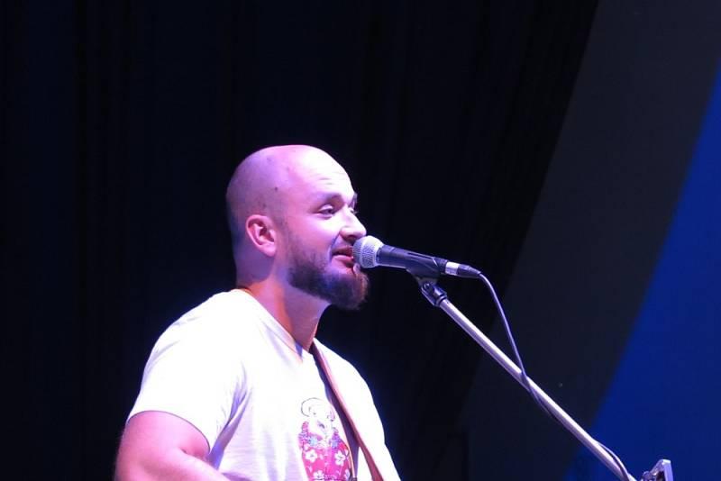 Z koncertu Pokáče loni ve Stříbře.
