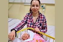 Maminka Lucie s Laurinkou, která je prvním novorozencem roku 2019 v porodnicích Plzeňského kraje.
