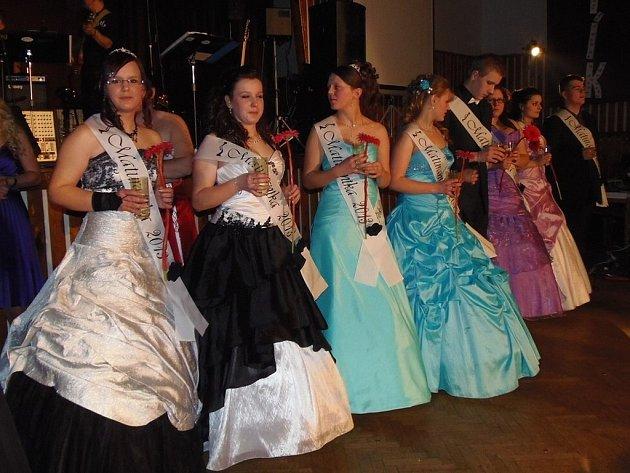 Z maturitního plesu Střední odborné školy ve Stříbře oboru Agropodnikání.