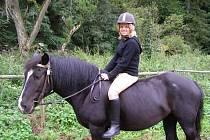 Koňský tábor ve Svojšíně se letos koná už podvanácté.