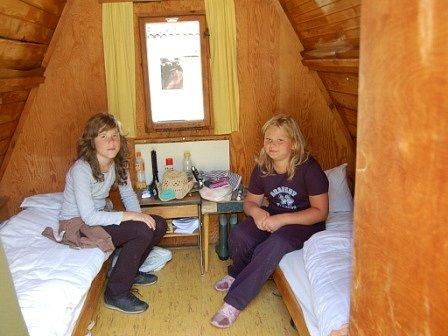 Tourist centr, dětský chatový tábor.