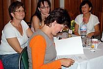 Úspěšnou absolventkou tachovského rekvalifikačního kurzu se stala také šestatřicetiletá Petra Lorencová. Ze získání osvědčení s platností v celé Evropské unii měla upřímnou radost.