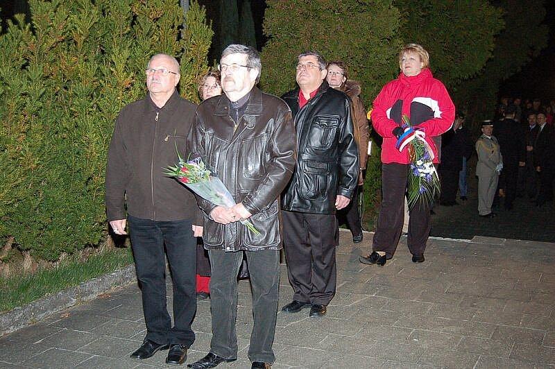 Tachované uctili oběti války