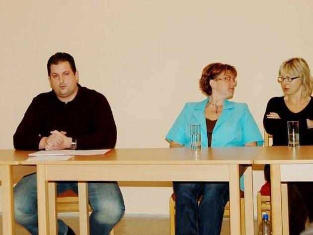 Ve Středu večer se konalo jednání zastupitelstva v Zadním Chodově.