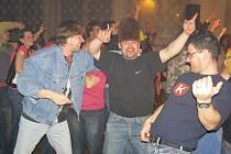 Extra Band revival zahrál v Kostelci.