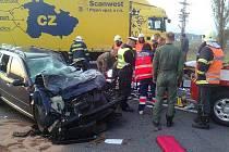 U Nové Hospody na Tachovsku se v pátek ráno srazil osobák s kamionem