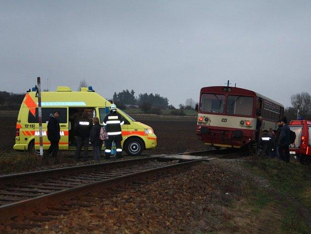 Žena se na přejezdu v Tachově střetla s vlakem.