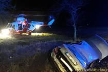 Úterní večerní nehoda si vyžádala tři zraněné.