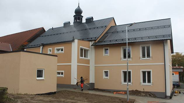 Nový dům s pečovatelskou službou.