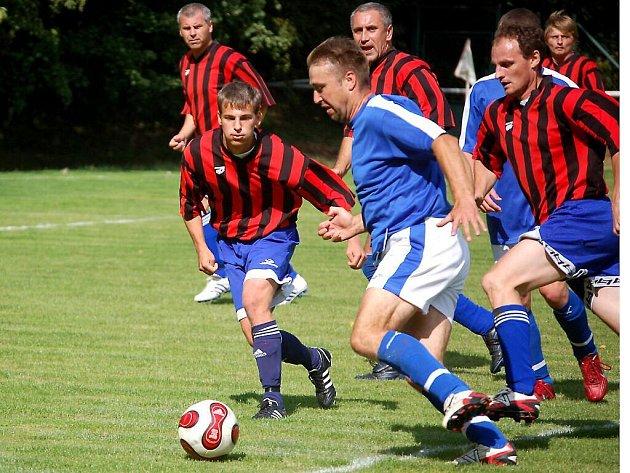 Vstup do nového ročníku nevyšel S. Sulislav, který sestoupil z okresního přeboru. V Konstantinových Lázních prohrál s místní rezervou 2:1.