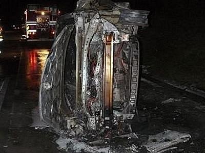 Štěstí v neštěstí měla v úterý brzy ráno posádka osobního vozu, která cestovala po dálnici D5 u Benešovic.