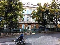 Dům dětí a mládeže v Ostrově na Karlovarsku.