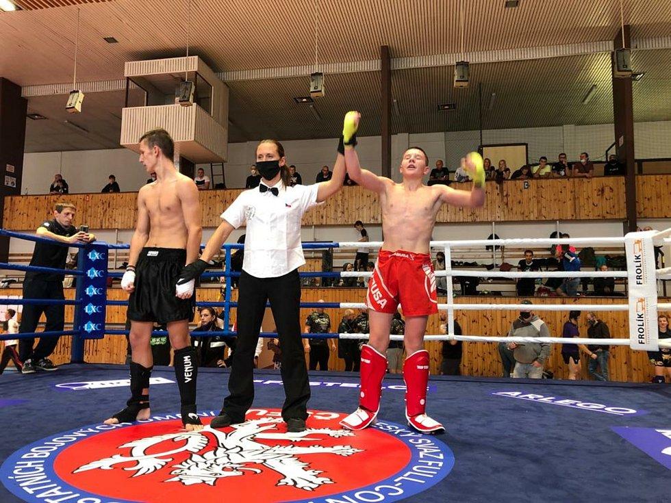 Tachovští kickboxeři E.H. security přivezli šest medailí.