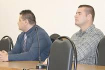 Okresní soud v Tachově vynesl ortel nad dvěma instruktory parašutismu Miroslavu Burešovi a Lukáši Drašarovi, kteří jsou zodpovědni za smrt šestnáctileté dívky.