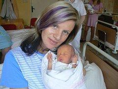 Natálka ,která vážila 2,20 kg a měřila 45 cm, se  narodila  9. listopadu v 19.50 hod. v Mulačově nemocnici v Plzni rodičům Martině a Davidovi Kadlecovým z Přimdy. Holčička je  první vnouče. Na vnučku se těší babička Helena a babička Milena.