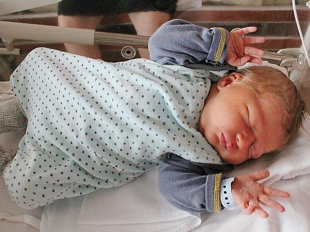 Adam Heimlich (3920 g, 50 cm) se narodil 15. 3. v  8:29 hodin ve  FN Plzeň  Lucii Heimlichové a Jiřímu Ševčíkovi z Ošelína, Plezomu. Doma na Adámka čeká bráška Hubert (2 roky a 2 měsíce).