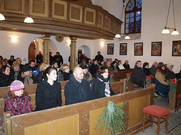 Návštěvníci si poslechli nejen zpěv a hudbu, ale i promluvu pátera Benedikta.