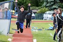 Patnáct družstev chlapců a děvčat se utkalo v Tachově při atletickém čtyřboji.
