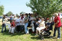 Zhruba tři desítky pravoslavných věřících se sešly v sobotu v Dolní Jadruži, aby vzdaly hold  svaté  Marii Magdaleně a svaté Anně.