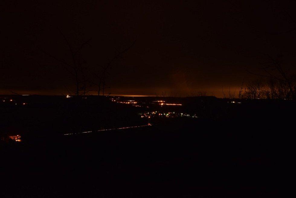 Na Krasíkově pod noční oblohou.