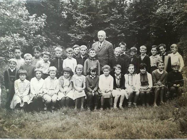 Ze setkání spolužáků ze škol vOboře a vLučině.