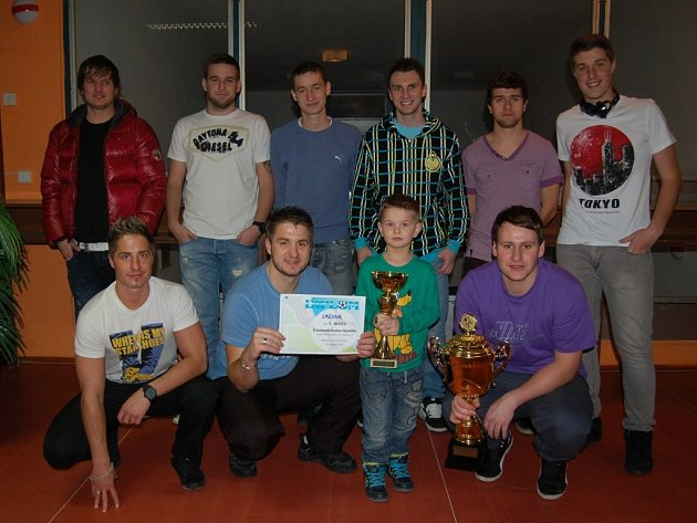 Vítězný tým turnaje O zašmodrchanou tkaničku – Laguna.