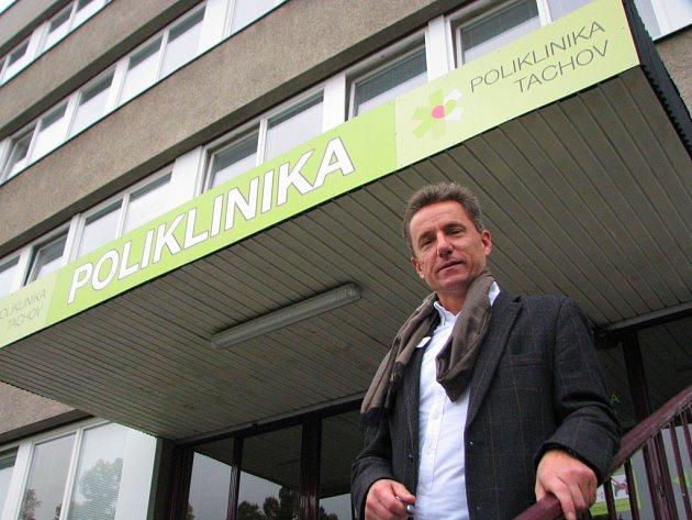 S NOVÝM ředitelem Petrem Tuháčkem se poliklinika dočkala i několika změn.