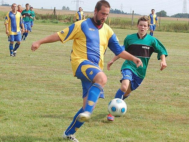 V konkurenci pěti mužstev se hrál v Třemešné pouťový turnaj v kopané.