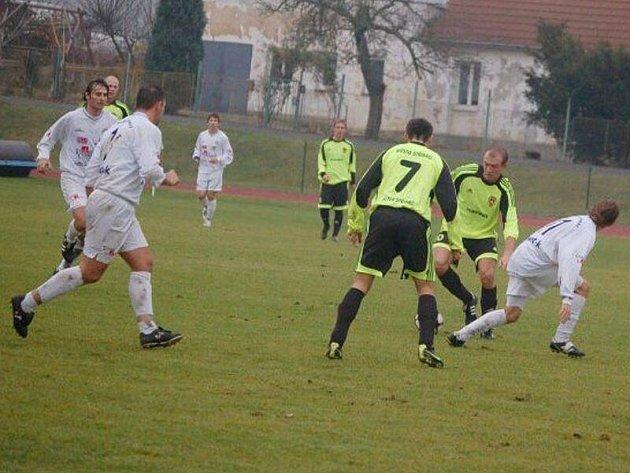 Puma krajský přebor: B. Stříbro – FC Chrást 1:2