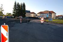 Stavební práce na novém záchytném parkovišti už v Boru začaly, přinesou i některá dopravní omezení.