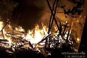Požár bývalé drůbežárny.