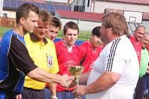 Fotbal-II. třída: V závěrečném kole padlo 39 branek, rozhodčí napomínali jen sedm hráčů.