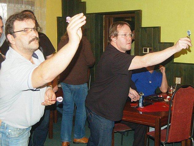 Z šipkařského turnaje v Tachově.