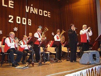 Horalka zahrála seniorům ve Stříbře.