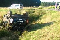 Dopravní nehoda komplikovala včera ráno silnici mezi Planou a Tachovem.