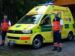 ZÁCHRANÁŘI mají nový sanitní vůz od začátku měsíce srpna, za dva týdny mají najeto zhruba tři tisíce kilometrů.
