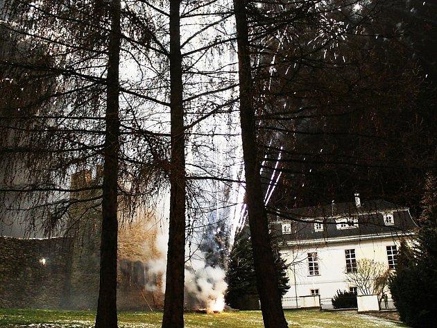Novoroční ohňostroj v Tachově