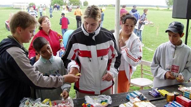 Pro drobotinu jsou na oslavy Dne dětí přichystány nejen soutěže, ale také sladká odměna.