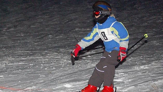 Mladí lyžaři jeli okresní přebor ve sjezdovém lyžování a snowboardingu