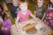 Tachovské děti vyráběly v mateřince v Sadové ulici perníčky