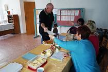 Volby se samozřejmě nevyhnuly ani vesnicím. Již od začátku se voliči k urnám dostavili také v obcích Horní Kozolupy a Slavice.