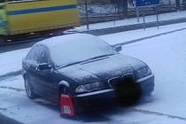 Vozidlo skončilo s Botičkou v Bělojarské ulici.