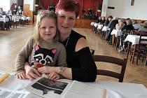 Na sraz rodáků a přátel obce přišla i Jana Lemerová, která v Tisové žije už čtyřicet sedm let.